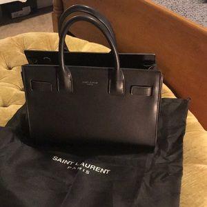 🔥sale ends tmrw 🔥Ysl medium size bag